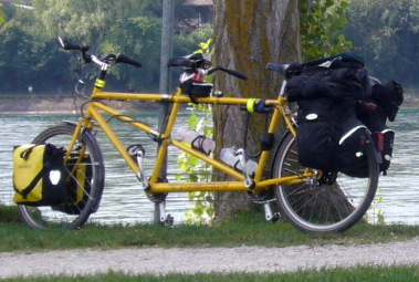 Tandem with straight bars